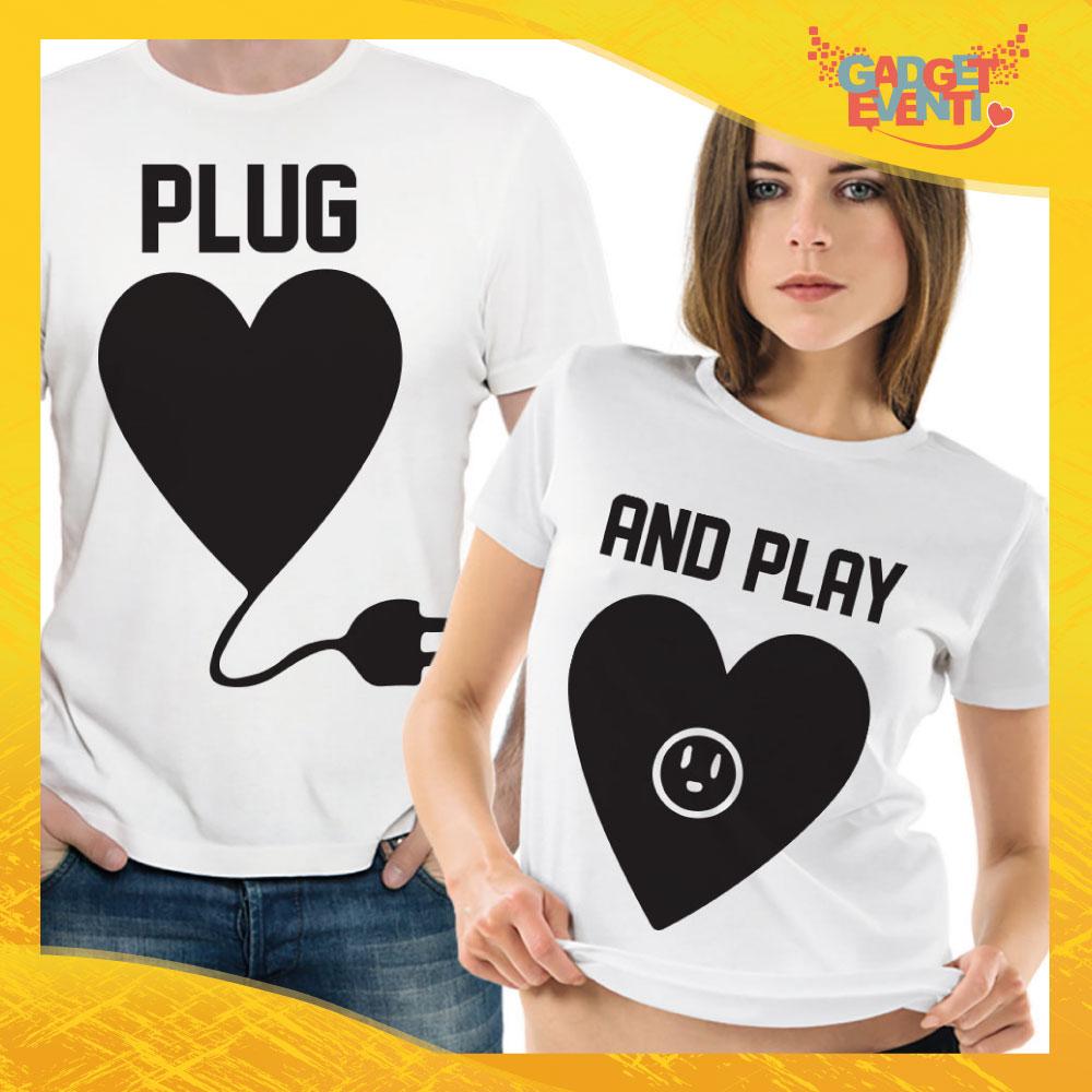 """T-Shirt Coppia Maglietta """"Plug and Play Cuore"""" Gadget Eventi"""