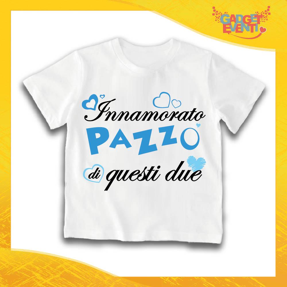 """Maglietta Bianca Maschietto Bimbo """"Innamorato Pazzo di quei due"""" Idea Regalo T-Shirt Gadget Eventi"""