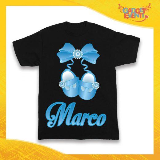 """Maglietta Nera Maschietto Bimbo """"Scarpine con Nome Personalizzato"""" Idea Regalo T-Shirt Gadget Eventi"""