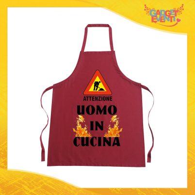 "Grembiule da Cucina Rosso Burgundy ""Uomo in Cucina"" Ristorazione Idea Regalo per settore alimentare Gadget Eventi"
