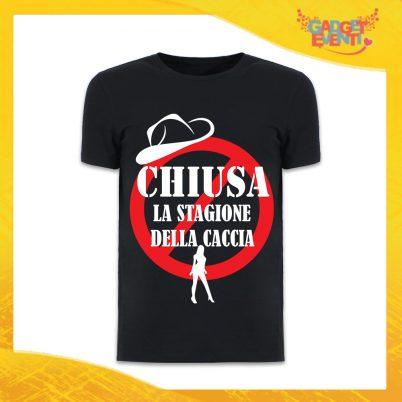 """T-Shirt Uomo Nera Addio al Celibato Maglietta """"Chiusa la Stagione della Caccia"""" Gadget Eventi"""